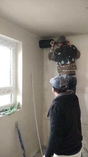 Unsere Wand wird durchlöchert